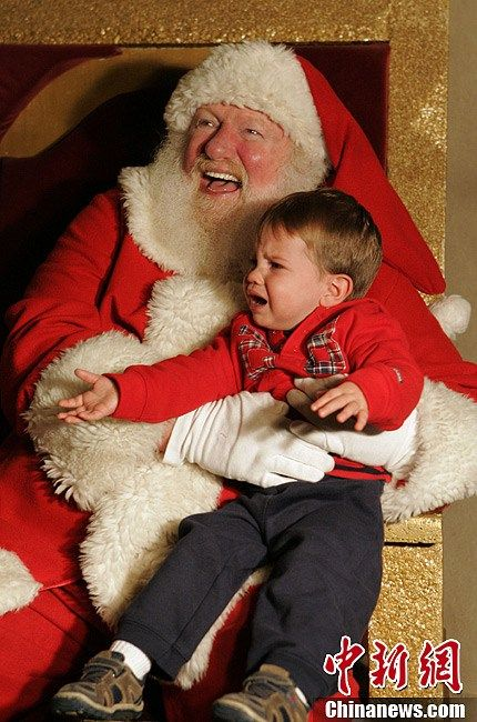 santa_crying_kid7
