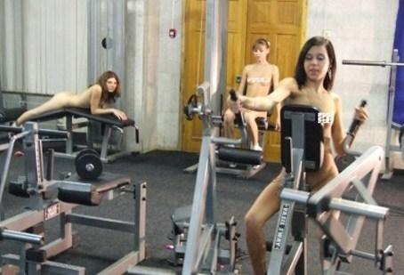 裸体健身房2