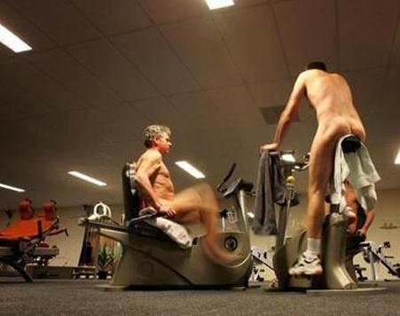 裸体健身房3