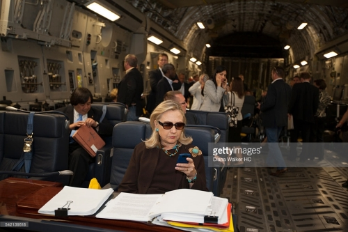 hillary_use_cell_on_plane